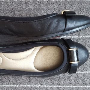NWT Bandolino Black Leather Bow Flats Shoes 6.5